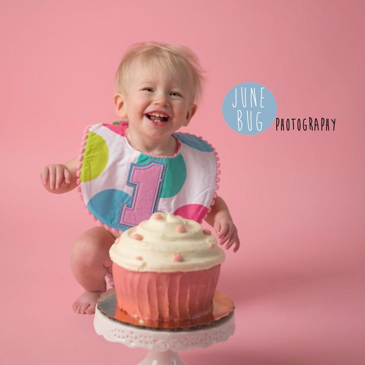 Cake Smash, Snohomish County June Bug Photography.