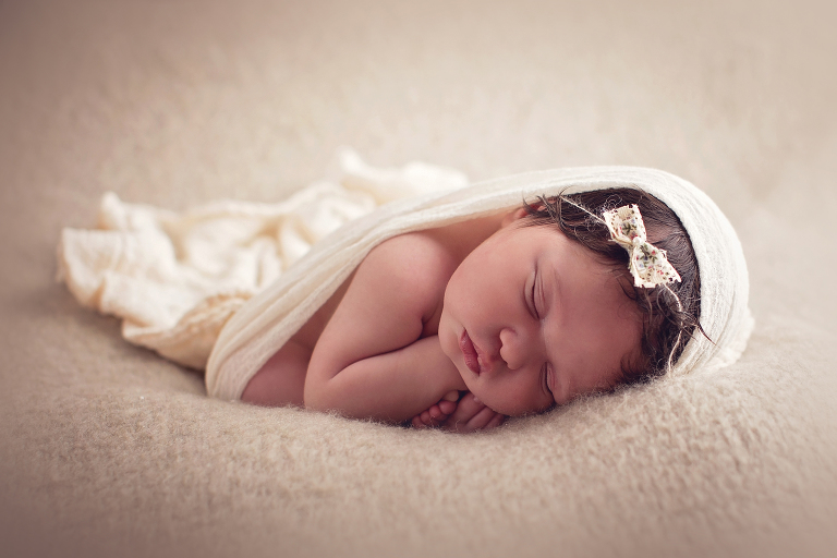 Baby photography snohomish county newborn photographer june bug photography